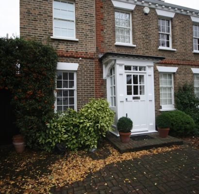 TW1 – Twickenham – Timber Porch